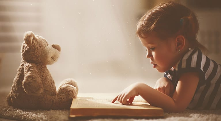 5-reasons-reading-helps-kids-01